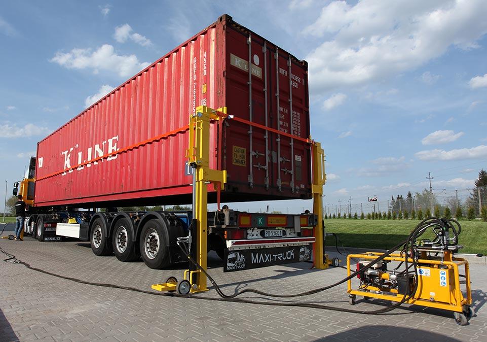 container-lifting-jacks-presentation